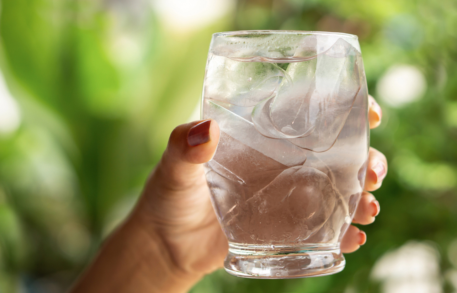 The Benefits of Drinking Two Liters of Clean Water Daily